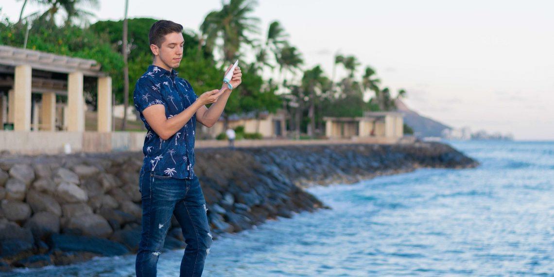 Hyram Yarbro, skynfluencer no experto en belleza de Hawaii