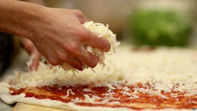 queso en pizza
