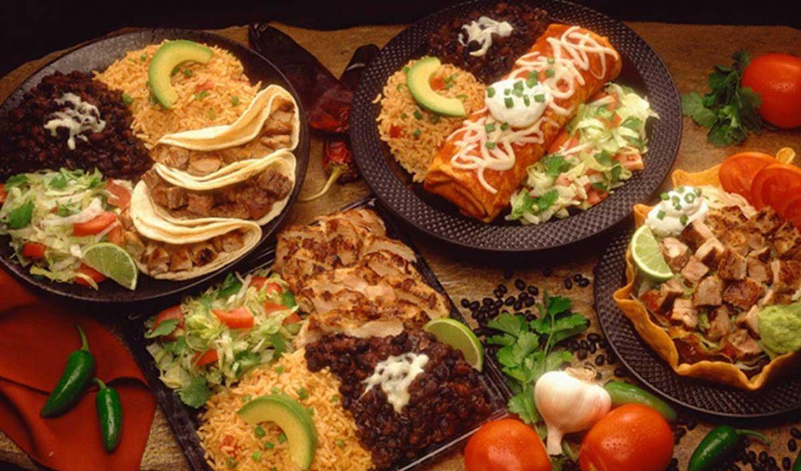 platos con auténtica comida mexicana